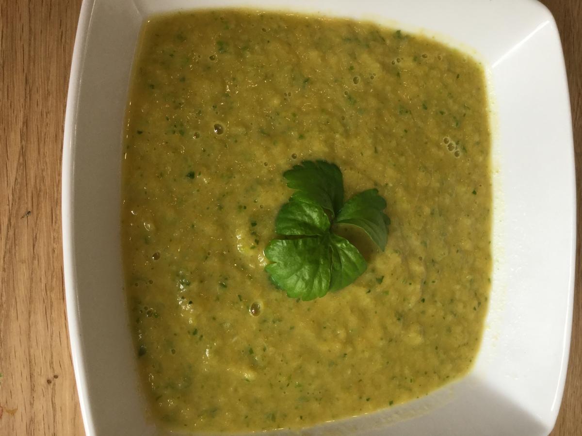 Nourishing Green Leek, Celery & Romaine Lettucesoup💚